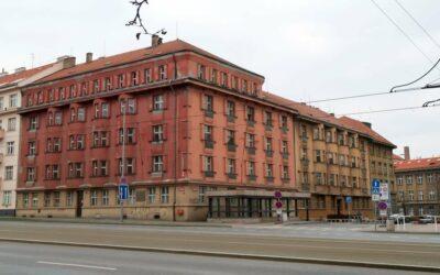 Neztrácíme čas, unikátní trojdomí Šolínova v pražských dejvicích čeká už dlouho